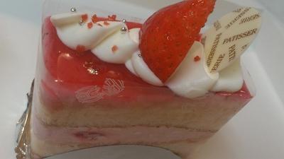 白バラのケーキ1