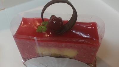 白バラのケーキ2
